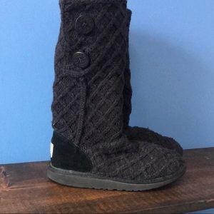 UGG Big Girl size 6 / Women size 8 Cardy II Boot